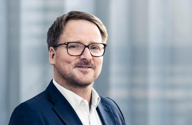Dr. Erik Ehmann